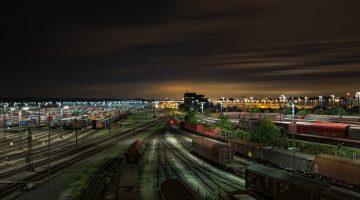 railway-station-1363771_1280