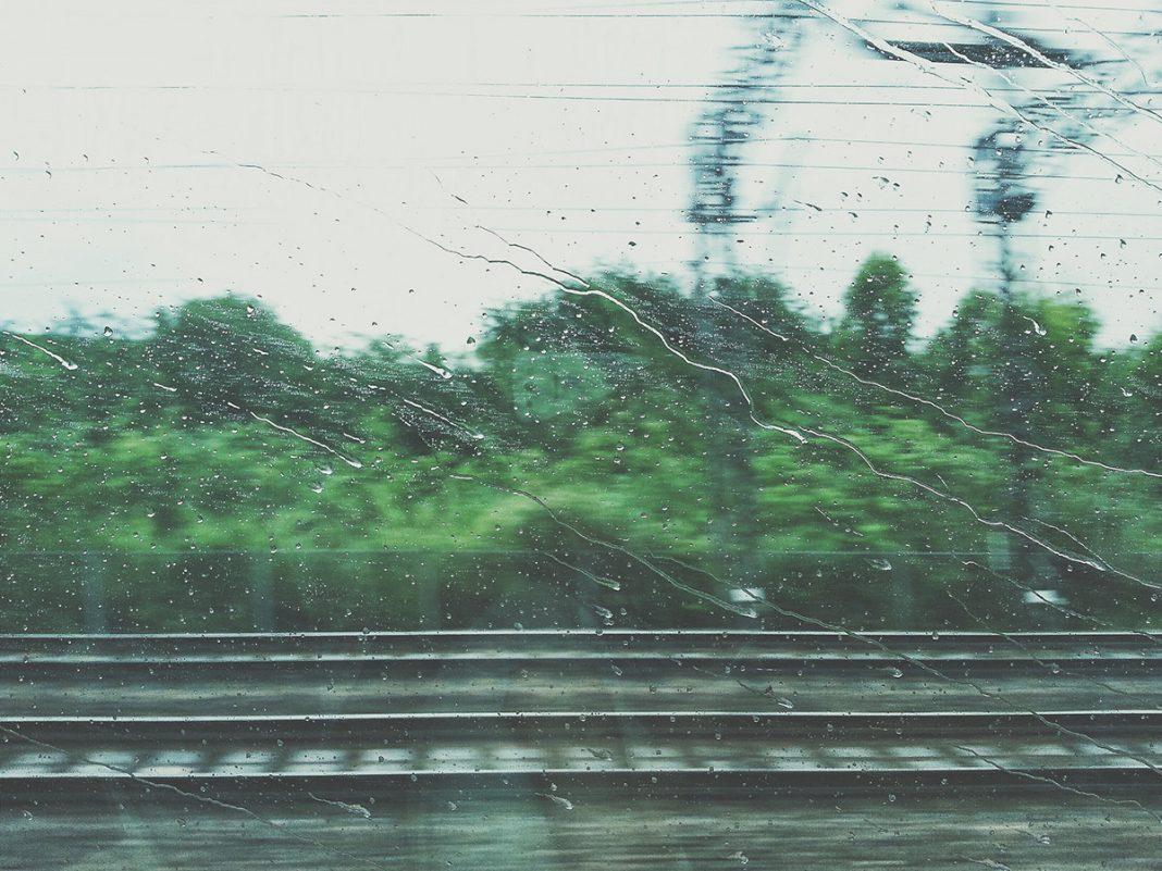 Dlaczego pociąg jest lepszy niż autobus?